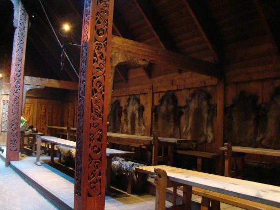 viking-longhouse-great-hall-norway